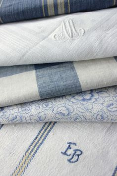 Blue and white monogramed textiles Love Blue, Blue And White, Blue Jay, Linens And Lace, White Linens, French Fabric, French Vintage, French Blue, Vintage Linen