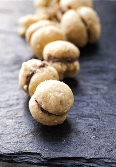 The Cutest Cookie Recipe: Italian Baci di Dama Chocolate Hazelnut Cookies Italian Cookie Recipes, Italian Cookies, Italian Desserts, Baking Recipes, Italian Bakery, Italian Pastries, Italian Foods, Yummy Cookies, Cupcake Cookies