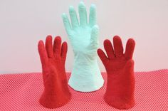 No need to make fingerless gloves when you can kitchen gloves to produce gloves which have fingers and thumbs.  This step by step Free Tutorial will guide you every step of the way.