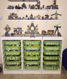 Those Lego bricks can get everywhere! But here are some great and easy ways to organize and store your kids Lego bricks, and keep them organized! Legos, Ikea Storage Solutions, Lego Duplo, Lego Display, Lego Bedroom, Minecraft Bedroom, Playroom Organization, Lego Organizing, Playroom Ideas
