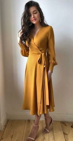 Vintage Style Dresses, Elegant Dresses, Pretty Dresses, Casual Dresses, Women's Fashion Dresses, Skirt Fashion, Classy Outfits, Chic Outfits, Stitching Dresses