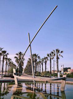 Inspiring Boat Fountain in Valencia, Spain