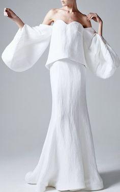 Rosie Assoulin free flowing white weddind dress: