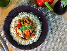 GIVE Kitchen's #vegan Jambalaya Curry . Available from www.givekitchen.com Vegan Jambalaya, Vegan Animals, Plant Based, Curry, Yummy Food, Fresh, Meals, Ethnic Recipes, Kitchen