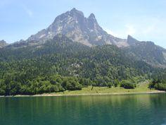 Pic du Midi d'Ossau et Lac de Bious-Artigues