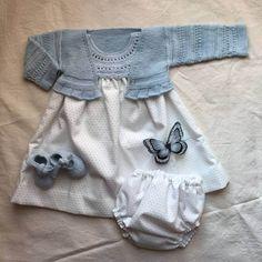 Patrón y video tutorial de como hacer una chaqueta sin costuras, una preciosa chaqueta de bebé DIY para vestir a nuestros peques de la casa.