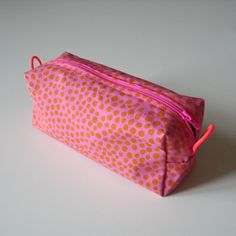 Penaali kangaspainatuksella Sewing Ideas, Coin Purse, Craft Ideas, Purses, Wallet, Crafts, Handmade, Handbags, Manualidades