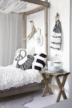 Fun pillows.   NIB-vindet: Kjerstis Lykke | Tekstileriet | LIVET HJEMME