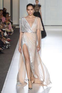 Ralph & Russo #VogueRussia #couture #fallwinter2017 #RalphRusso #VogueCollections