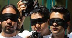 Los periodistas que se encuentran cubriendo la protesta de los maestros en el estado de Oaxaca, han visto cómo la escalada de violencia produjo la muerte de un compañero en pleno ejercicio de su trabajo, mientras se generalizan las amenazas a su labor. Este domingo, unos desconocidos asesinaron a tiros al reportero mexicano Elidio Ramos […]