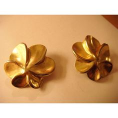 """New Listing Started goldtone floral clip on Earings eyecatching 1.5""""across very well made £1.45"""