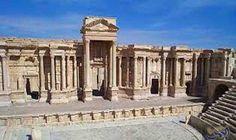 مدينة جرش الأردنية تلفت الأنظار بتقديم عروضًا…: يلتقي مجموعة من سكان المجتمع المحلي في مدينة جرش الأثرية في الأردن لتقديم عروضًا عسكرية…
