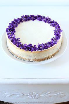 Every Cake You Bake: Sernik fiołkowy