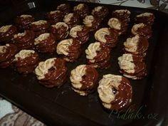 Show details for Recept - Ořechové věnečky Christmas Sweets, Christmas Candy, Christmas Baking, Christmas Cookies, Baking Recipes, Snack Recipes, Snacks, Czech Recipes, Oreo Cupcakes