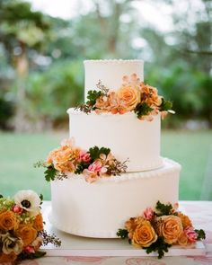 Flowers say Fall - with a touch of pink too This is Lovely - yet I think it would be even better on an ivory base cake