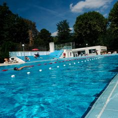 Baignade nager dans la piscine on pinterest sports - Piscine nakache toulouse horaires ...