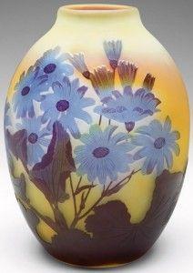 Galle Vase with Daisies Design