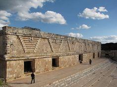 Uxmal, rodeada de leyendas, mitos y anecdotas Mexico