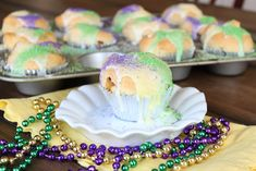 It's time to wrap up Mardi Gras week with a super simple and amazingly delicious recipe. King Cake Cupcakes! Our grocery stores have bee...