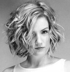 Ideas hair cuts women popular haircuts short wavy for 2019 Hair Styles 2014, Medium Hair Styles, Curly Hair Styles, Haircuts For Wavy Hair, Short Wavy Hair, Wavy Hairstyles, Bob Hairstyle, Thick Hair, Wedding Hairstyles