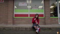 """WATCH: The Full Trailer for Hailee Steinfeld's """"The Edge of Seventeen"""" is Angsty AF"""