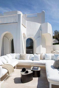 Villa in Sabaudia by Stefano Dorata Architetto