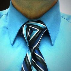 Hypnotizing trinity knot