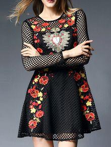 Vestido bordado hueco línea A -negro