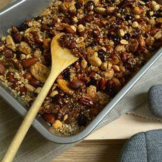 Is er iéts lekkerder dan zelfgemaakt granola? Ik betwijfel het! Ook proberen? Zo doe je dat!   Bekijk de video hierrr: http://foodness.nl/recipe/detail/696/video_homemade_granola