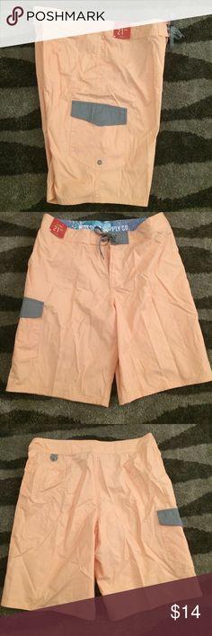 "Mossimo supply co shorts Nice shorts,apricot ice,at knee ,21"" outseam Mossimo Supply Co. Shorts"