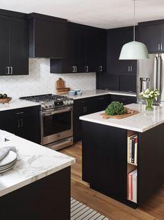 How to: Design a Scandinavian-Inspired Kitchen – diy kitchen decor on a budget Kitchen Decor Themes, Home Decor Kitchen, Kitchen Interior, New Kitchen, Kitchen Dining, Kitchen Designs, Porcelain Countertops, Quartz Countertops, Scandinavian Kitchen