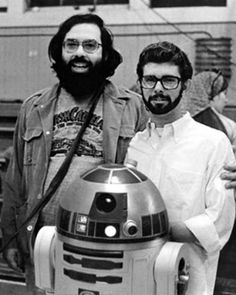 Francis Ford Coppola visits George Lucas on the set of Star Wars. What strikes me about this is that although I know this is a photo from the they could easily be Mission SF hipsters, with their beards and glasses. Mark Hamill, Harrison Ford, Carrie Fisher, Sophia Lauren, Star Wars Episodio Iv, Star Wars I, Gena Rowlands, Alec Guinness, Princesa Leia
