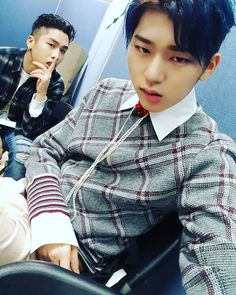 only-zico:   160217 ZICO's Instagram Update:See you at Gaon Chart #zico #babylon #gaonchartaward Trans by: ONLY-ZICOPlease take out with full credit.
