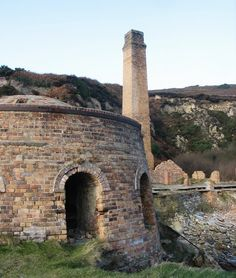 The north kiln and ruined brick drying plant at Porth Wen