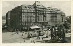 Hotel Carlton was in the time of one of the top European hotels Bratislava, Louvre, Building, Travel, Times, Hotels, Retro, Sweet, Google