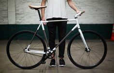 raw material fixed gear 'trophy bike' by rapt studio for VF outdoor corporation - designboom | architecture