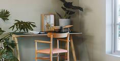 Naturlig, grønt og vakkert med vegger i LADY Wonderwall 8252 Green Harmony. Bedroom Green, Green Rooms, Green Walls, Feng Shui, Color Inspiration, Interior Inspiration, Interior Exterior, Interior Design, Jotun Lady