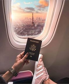 Only with a Canadian passport though – Apenas com um passaporte canadense – Travel Pictures, Travel Photos, Plane Photos, Paris Photos, Airport Photos, Paris Pictures, Beach Foto, Canadian Passport, Paris Travel