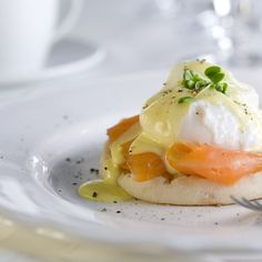 Our cannabis-infused take on this classic breakfast dish includes easy poached eggs, delectable smoked salmon, and heavenly cannabis-Hollandaise sauce. Sauce Hollandaise, Breakfast Dishes, Breakfast Recipes, Easy Poached Eggs, Tostadas, Egg Recipes, Healthy Recipes, Easter Recipes, Salmon Recipes