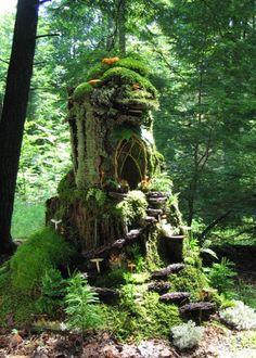 http://www.fleamarketgardening.org/wp-content/uploads/2015/04/Sally-J-Smiths-majestic-mossy-fairy-mansion.jpg
