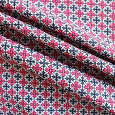 100% cotton poplin. Light to medium weight cotton, ideal for quilting and dressmaking projects. 140cm wide - Sew Over It online shop