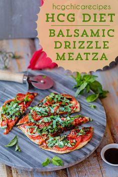 hCG Diet SP (Strict/Specific Protocol) Chicken recipe: Balsamic Drizzle Meatza with Tomatoes & Basil - 189 calories for half of an pizza Hcg Chicken Recipes, Chicken Recipes With Tomatoes, Chicken Diet Recipe, Diet Dinner Recipes, Healthy Diet Recipes, Healthy Cooking, Lunch Recipes, 800 Calorie Diet, Diet
