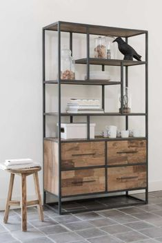 Top 8 Brilliant DIY Wall Shelves to Beautify Your Home Log Cabin Furniture, Steel Furniture, Industrial Furniture, Cutlery Storage, Muebles Living, Diy Wall Shelves, Diy Furniture Projects, Home Decor Kitchen, Cheap Home Decor