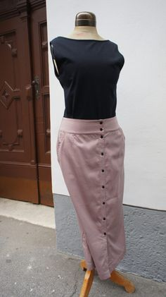 Anzüglich   muluc.at Waist Skirt, High Waisted Skirt, Shirts, Beige, Outfits, Fashion, Lilac, Fashion Styles, High Waist Skirt
