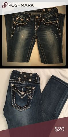 """Miss Me Jeans These are very flattering cropped jeans. I've worn them maybe once or twice, just not quite my style anymore. Inseam is 25"""" Miss Me Jeans Ankle & Cropped"""