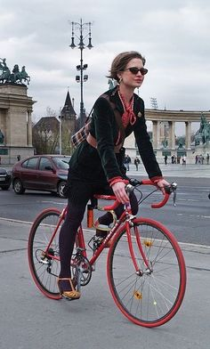 fe74f9170e1b Bicyclette rouge Deutschland Cool Bicycles