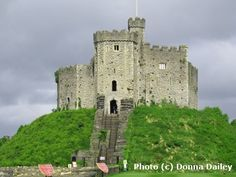 Cardiff Castle, photo (c) Donna Dailey, from http://www.beyond-london-travel.com/London-to-Cardiff.html