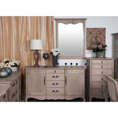 Duże lustro francuskie z delikatnymi zdobieniami w górnej części ramy. Optycznie powiększy każdą przestrzeń. Psuje do każdego pomieszczenia w domu.
