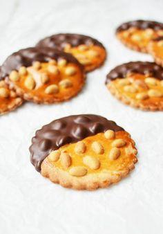 Candy Cookies, No Bake Cookies, No Bake Cake, Cooking Cookies, Dutch Recipes, Cookie Pie, High Tea, Cookie Recipes, Cupcake Cakes