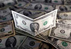 Dólar en mercado paralelo sube 59 por ciento en una semana